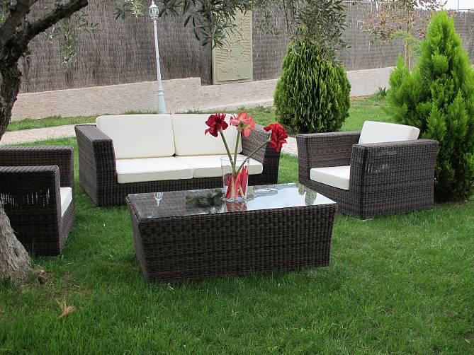 Decoraci n vanguardia para clientes exigentes users life for Juego de muebles para terraza