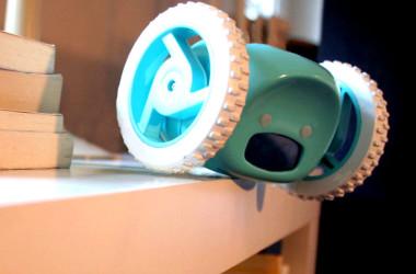 Clocky: el despertador motorizado que no te dejará quedarte en la cama