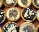 Cookies rellenas de chocolate blanco y negro