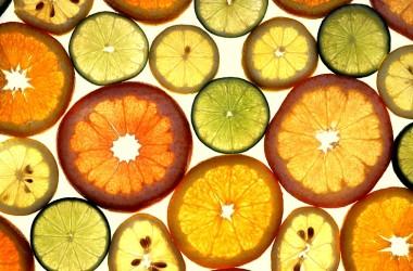 Cómo hacer deliciosas frutas deshidratadas en casa
