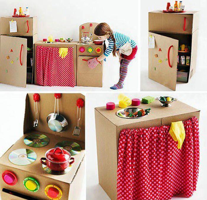 Hogar-carton-juguete