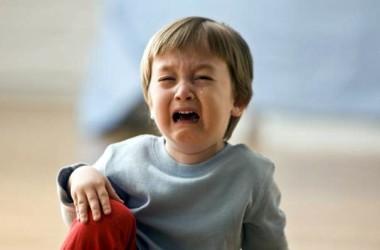 ¿Cómo actuar cuando un niño se da un golpe en la cabeza?