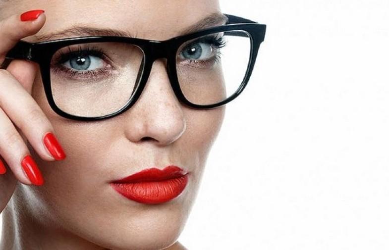 ¿Cómo maquillarte si usás anteojos?
