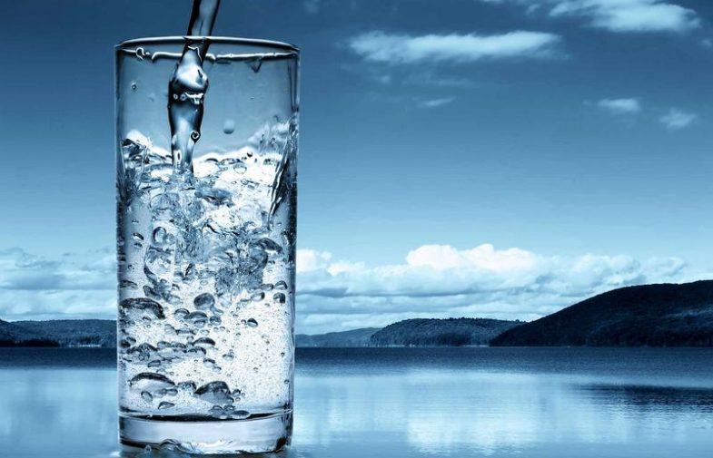 ¿Sabías que el agua es tu aliada para llevar una vida sana?