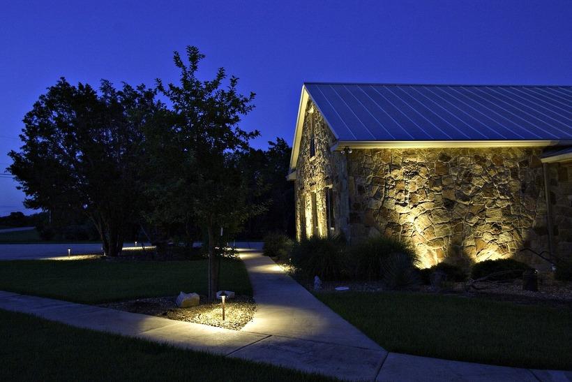 deco-frente-casas-iluminacion